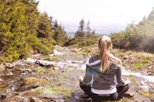 ヴィパッサナー瞑想で得た不思議な体験と感想。果たして効果は?