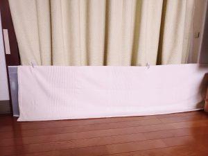 玄関の隙間風対策-カーテンで完全断熱【マグネットでDIY】